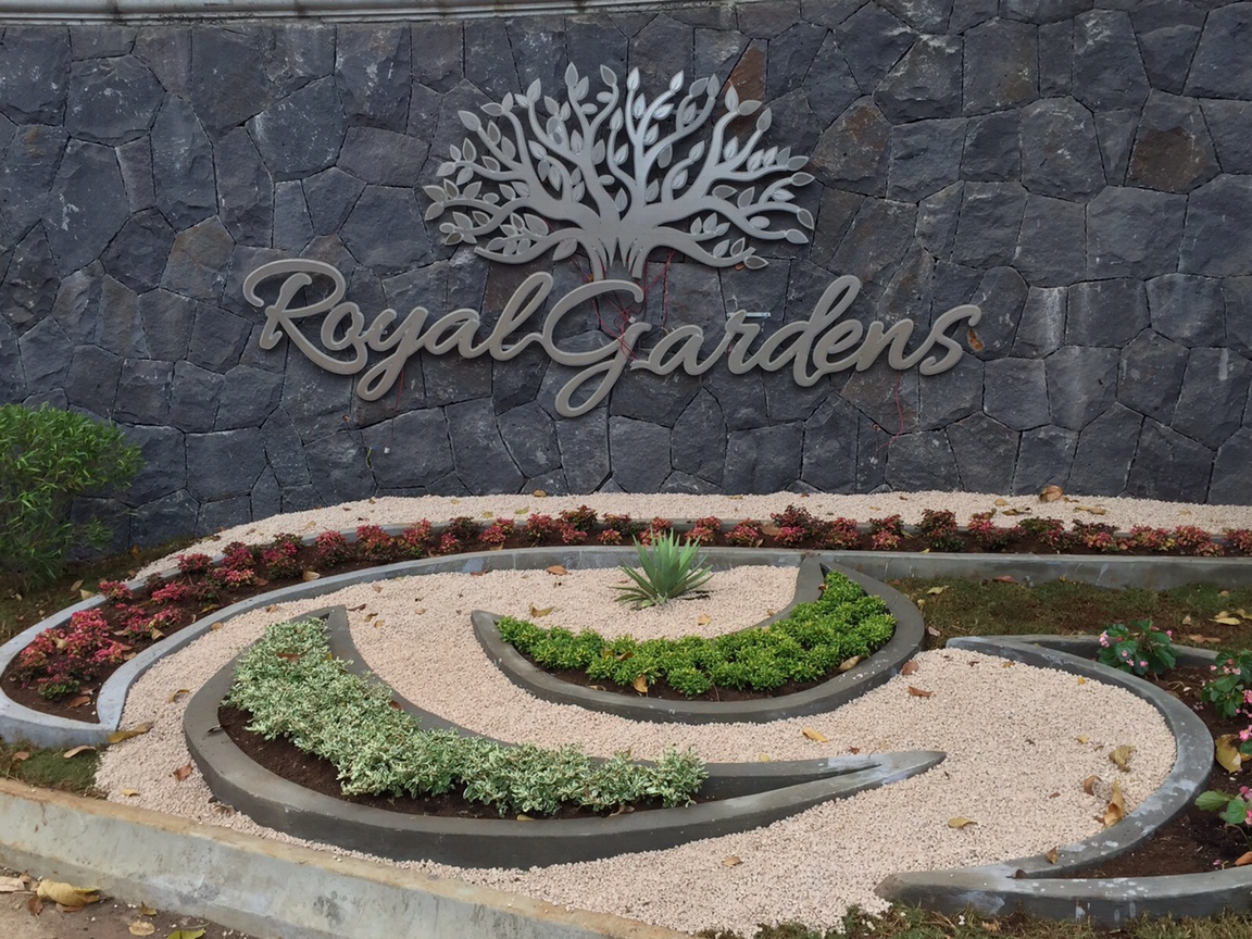 Royal Gardens Gallery